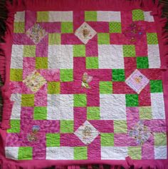 Cute quilt! No pattern, but looks easy enough