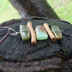 Chrysoprase & wood necklace