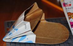Villmarkshjerte: Hvordan lage en melkekartong-lommebok!!! Paper Folding, Tableware, Crafts, Tips, Dinnerware, Manualidades, Dishes, Origami Paper, Handmade Crafts