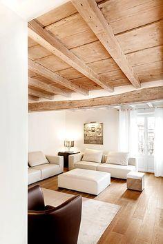 BRANDO concept | living soggiorno parquet interior design contemporaneo minimal caldo legno wood divano pelle chiaro lineare moderno poltrone pelle