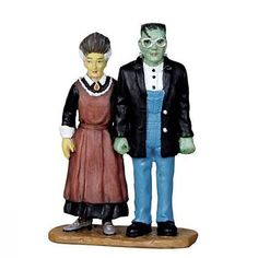 Make 2018 a year to remember with the latest Lemax holiday village collectables. Start a family Christmas tradition with Lemax Village Collection today! Halloween Train, Halloween Village, Gothic Halloween, Holidays Halloween, Halloween Costumes, Halloween Ideas, Lemax Village, American Gothic, Classic Monsters