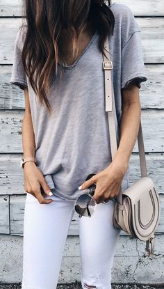 #summer #outfits  Grey Tee + White Ripped Skinny Jeans + Beige Leather Shoulder Bag 👌🏼