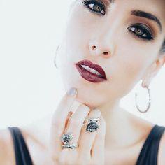 La hermosa modelo venezolana  @jessicabarboza1 es una fashion y life style blogger con excelentes tutoriales de belleza  que ofrecen contenido nutritivo divertido e interesante. - #tumaqui #makeup #maquillaje #tips #belleza #contorno #makeuplover #makeuprevolution #labios #lipstick #iluminador #vidademaquilladora #gloss #blogger #envios #gratis #nacional #internacional #box #productos #instamakeup #base #blush #maquillador #delineador #makeupaddict #fashion #mujer #moda #makeupfan
