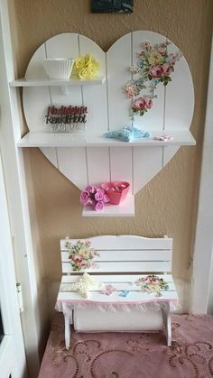 Facebook Cardboard Furniture, Diy Pallet Furniture, Shabby Chic Furniture, Furniture Making, Furniture Makeover, Home Decor Store, Easy Home Decor, Cortinas Shabby Chic, Wood Shop Projects