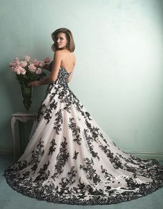 Sexy Sweetheart White And Black Wedding Dresses Long Lace Applique Robe De Mariage Custom Made Fashion Bridal Gowns 2016 New