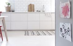 ANETTESHUS.COM | PROSJEKT:OSLO // FØR- og fiks-ferdig-ETTER-BILDER Voxtorp Ikea, Kitchen Interior, Double Vanity, Bath Mat, House, Cabinets, Kitchens, Decorating, Home Decor