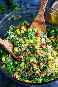 This Healthy Quinoa Salad is packed with colorful vegetables and tossed in an easy peasy whisk-and-pour Mediterranean dressing. I cannot WAIT for y'all to try this superfood salad! Recipes salad Healthy Quinoa Salad with Light Homemade Dressing Recipe Healthy Salad Recipes, Vegetarian Recipes, Cooking Recipes, Vegan Meals, Steak Recipes, Easy Recipes, Diet Recipes, Healthy Meals, Vegetarian Quinoa Recipes