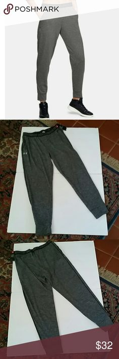 Women's Under Armour Play Up Jogger Pants PRODUCT FEATURES: UA Tech™ fabric is quick-drying, ultra-soft & has a more natural feel Material wicks sweat & dries really fast Anti-odor technology prevents the growth of odor-causing microbes Cuffed hem can be scrunched or worn straight Front pockets to stash your stuff Allover heathered twist effect  FIT & SIZING: Generous, more relaxed fit Average: 27 in. approximate inseam   FABRIC & CARE: Polyester Machine wash  *Price FIRM unless bundled…