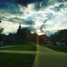 ramachbr: @uofcincy Sunset at McMickens. #PrettyPicMonday #hottestcollegeinamerica