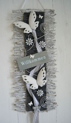 Handmade Home Decor Twig Crafts, Wood Crafts, Diy And Crafts, Arts And Crafts, Cheap Holiday, Deco Floral, Handmade Home Decor, Door Wreaths, Projects To Try