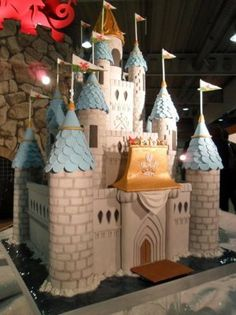 custom made castle wedding cakes | Castle cake made by the Welsh National Culinary Team, chosen to make ...