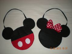 30 bags for candy (10 minnie mouse bows red and 20 mickey mouse)