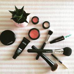 Everyday makeup 💛💄👑  .  .  .  @maccosmetics @maccosmeticsgreece  #zkstyle #fall #mac #maccosmetics #macgreece #makeup #mymakeup #beautythings #beautyproducts #makeupproducts #makeupoftheday #beautyaddict #makeuplover #fashionblog #fashionista #stylish #trend #colours #eyeshadow #foundation #studiofix #brush #nofilter #tb #flatlay #girlboss #maquillage #instamakeup #blogger #cactus