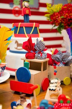 Mamãe Coruja Design Festas   Fábrica de Brinquedos