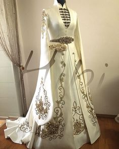 272 Likes, 20 Comments - Wedding National Wedding Dresses - Best Cute Outfit ideas Beautiful Gowns, Beautiful Outfits, Cute Outfits, Evening Dresses, Prom Dresses, Wedding Dresses, Elegant Dresses, Pretty Dresses, Fantasy Gowns