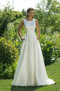 Garden enjoyment: A first look at the Justin Alexander Sweetheart Fall / Winter Collection 2018 collection – Wedding Gown Stunning Wedding Dresses, Wedding Dresses For Sale, Trendy Wedding, Ball Dresses, Ball Gowns, Bridal Gowns, Wedding Gowns, Backless Wedding, Justin Alexander