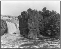 GEORGE TICE Passaic Falls, Patterson June 1968