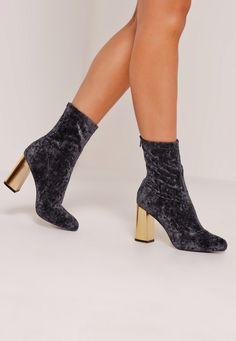 Missguided - Crushed Velvet Block Heeled Boots Black