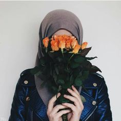 This jacket sounds beautiful ♥️♥️ Hijab Dp, Hijab Niqab, Muslim Hijab, Hijab Chic, Hijab Dress, Beautiful Hijab Girl, Beautiful Muslim Women, Hijabi Girl, Girl Hijab