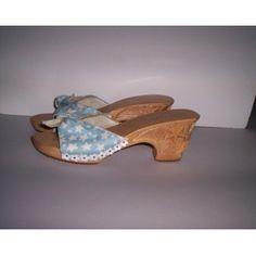29cbf67e023f BETSEY JOHNSON Carved Wood Open Toe Shoes Blue White Women s Sz 8 New!   BetseyJohnson