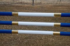 Updating Horse Jump Rails With Spray Paint diy painting horse jump rails - Art Of Equitation Equestrian Boots, Equestrian Outfits, Equestrian Style, Equestrian Fashion, Cross Country Jumps, Tallit, Show Jumping, Horse Riding, Horseback Riding