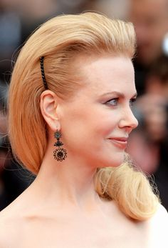 How to wear a barrette in your hair while still looking chic.