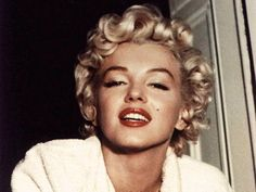 Gorgeous Marilyn Monroe. <3