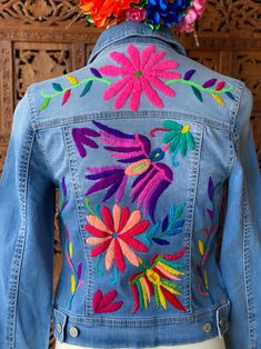 Denim Jacket Patches, Creative Embroidery, Embroidered Jacket, Used Clothing, Flower Fashion, Vintage Fashion, Vintage Style, Spandex, My Style