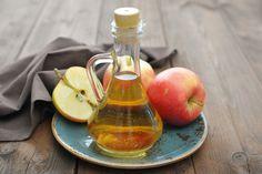 Indispensable en la cocina para dar un toque especial a las ensaladas, el vinagre de manzana tiene más beneficios de los piensas incluso ayuda a adelgazar