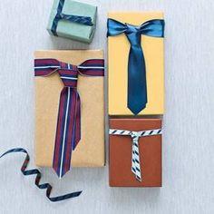 emballage cadeau pour homme à l'aide de vieilles cravates