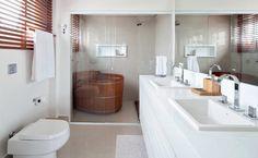 Cores e materiais inusitados, banheiros são verdadeiros oásis para relaxar e se cuidar