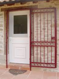 grille ouvrante de defense protection porte en fer forge sur mesure porte. Black Bedroom Furniture Sets. Home Design Ideas