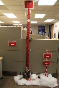 Office Christmas Pole Decorating Contest Christmas Cubicle Decorations, Office Christmas Decorations, Decoration Noel, Christmas Activities, Christmas Fun, Office Christmas Party, Christmas Themes, Outdoor Christmas, Christmas Projects