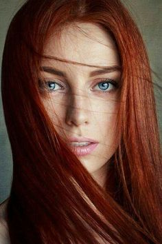 Red Hair Color : What is it about redheads that some of us – the sane ones anyway – find simply irresistible? Is it really just the hair color, or is Beautiful Red Hair, Gorgeous Redhead, Beautiful Eyes, Beautiful Women, Beautiful Freckles, Beautiful Pictures, Shades Of Red Hair, Blue Hair, Red Hair With Blue Eyes