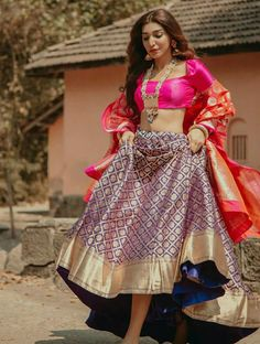 4407b0d36a93ff 34 Best Banarasi Silk Lehenga Choli images in 2019
