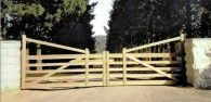 Double Manor Gate - Like all our wooden gates, our manor gates are handcrafted using the best Australian hardwood sourced from sustainable forests. Timber Gates, Wooden Gates, Gate Design, Angles, Low Fence, Farm Gate, Garden Bridge, Country Style, Sustainability