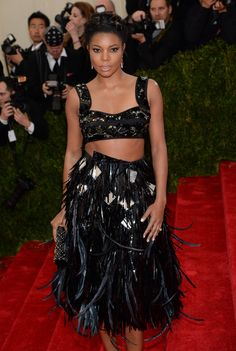 Met Gala 2014 Red Carpet Arrivals Cool skirt, but the bra and bare midriff--no!