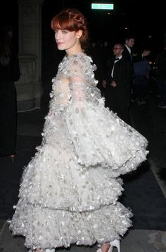 wore this to the MET Gala Latest Gossip, Florence Welch, Hollywood, How To Wear, Dresses, Fashion, Vestidos, Moda, Fashion Styles