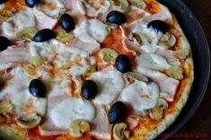 Pizzette cu salam - CAIETUL CU RETETE Recipe For 4, Hawaiian Pizza, Vegetable Pizza, Italian Recipes, Food And Drink, Vegetables, Breads, Happy, Hip Bones
