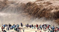 No matter what we try or do Nature is way more powerful to be conquered at once. #BeautyOfEarth #TheDigitalSavvy ... Stunning scene of flooded #Hukou #Waterfall in the #Shaanxi Province of northwest #China. . (Pic by Lyu Guiming) . Tourists enjoying surged water display on the #YellowRiver which is the 6th longest river in the world. Its basin is considered as the birthplace of ancient Chinese #civilization but now better known as China's Sorrow due to continual agricultural irrigation in…