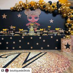 """#BBC Sign on Instagram: """"#Repost @boutiquede3kids with @get_repost ・・・ LOL QUEEN BEE especialmente para comemorarmos os 4 anos da VALENTINA!!! Com nossos queridos…"""" Birthday Centerpieces, Birthday Party Decorations, Italy Party, 7th Birthday Party Ideas, Party Queen, Bee Party, Doll Party, Lol Dolls, Queen Bees"""