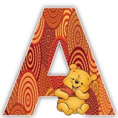 Alfabeto de Winnie the Pooh con fondo en tonos marrón.