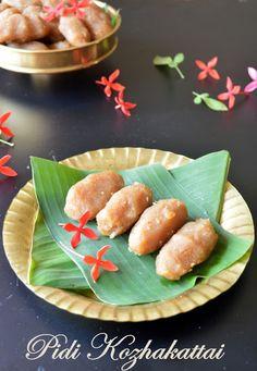 Pidi Kozhakattai/Steamed Sweet Rice Dumplings