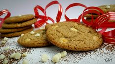 DOMA navařeno: Americké cookies s bílou čokoládou a oříškovým máslem