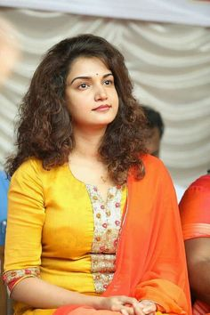 Hollywood Girls, Hollywood Model, Beautiful Girl In India, Beautiful Saree, Beautiful Gif, Girl Number For Friendship, Honey Rose, Russian Women For Marriage, Dehati Girl Photo