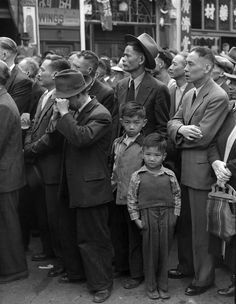 Yes we pause this fine day and give thanks for gideon sundback the canadian civilians of chinese ancestry watch victory over japan day celebrations in vancouvers chinatown china fandeluxe Gallery
