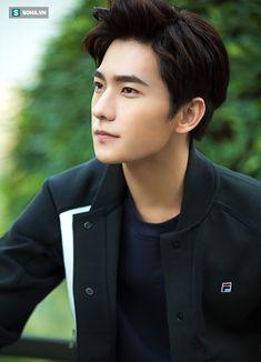 Dương Dương: Chàng nam thần nổi tiếng nhờ phim chuyển thể - Ảnh 3.