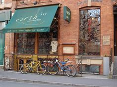 Earth Cafe, Manchester - vegetarian cafe and juice bar