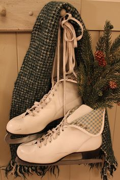 old ice skates -------- I used a red and green plaid scarf and different pine decor, but I LOVE it! Gotten lots of compliments. Christmas Sled, Primitive Christmas, Vintage Christmas, Christmas Holidays, Christmas Decorations, Christmas Displays, Rocket Coffee, Winter Fun, Merry And Bright