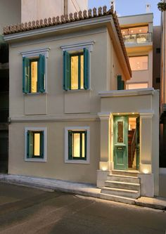 Detached house in Exarchea Neoclassical Interior, Neoclassical Architecture, House Paint Exterior, Exterior Design, Stucco Homes, Villa, Hacienda Style, Mediterranean Homes, Bauhaus